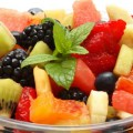 Красный фруктовый салат