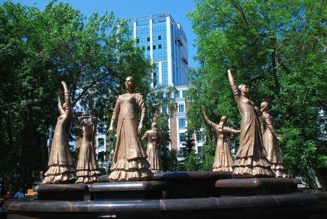Семь девушек Уфа фонтан