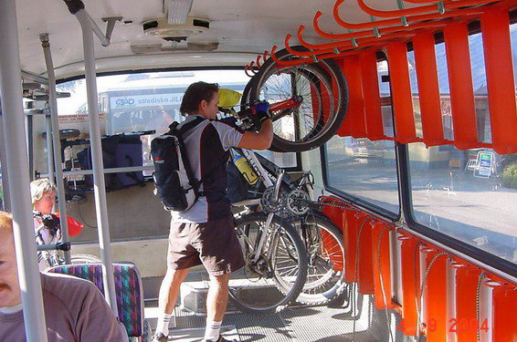 перевозка велосипеда в автобусе