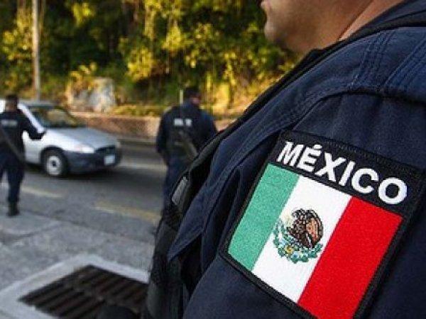 полицейских в Мексике