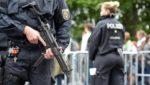 Полицейский рейд! Немецких врачей заподозрили в получении взятки наличными